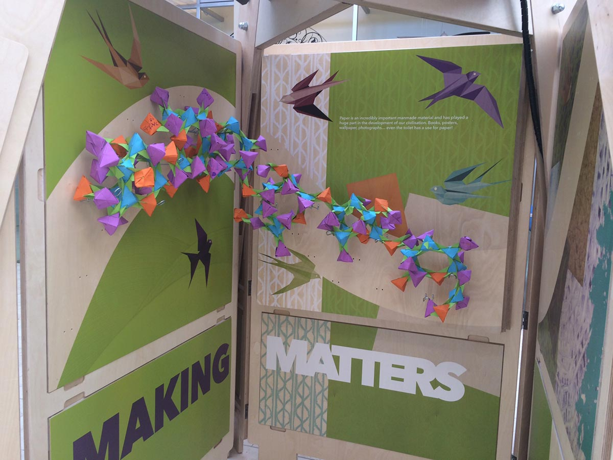 science exhibition - birds on a picture with the message making matters