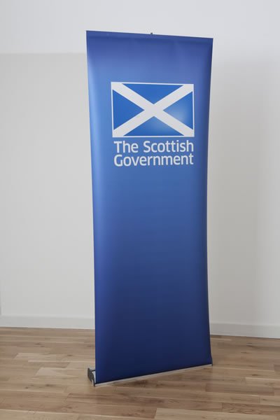 Roll-Up Bannerstand