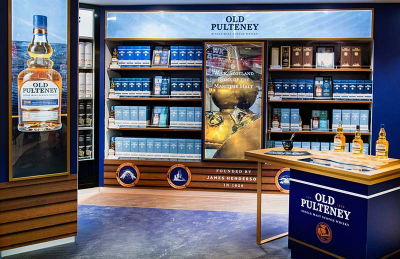 old pulteney whisky display at the airport