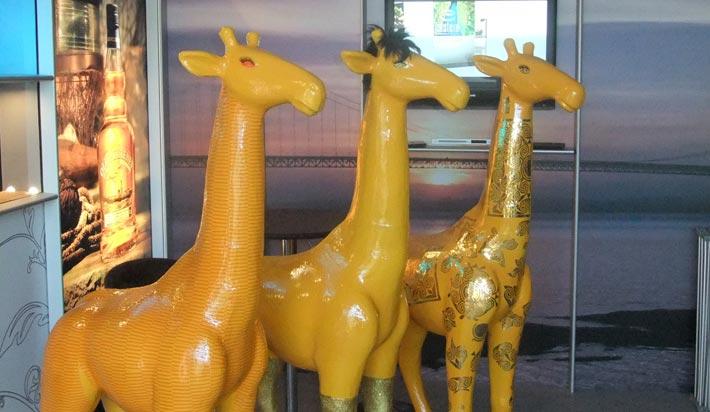 3 ceramic camels