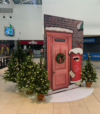 santa letterbox display